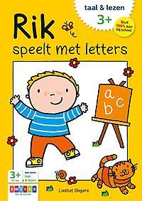 Rik speelt met letters